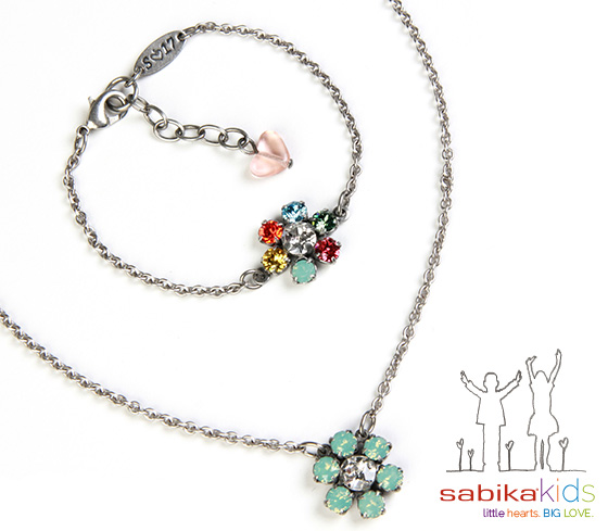Sabika Daisy Necklace and Bracelet